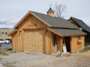 Sheds garages and barns for Garages that look like barns